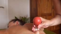 Dieses Bild zeigt eine Schröpfmassage